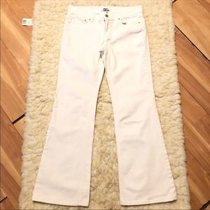 🌺3for$25 WHBM White Flared Embroidered Jeans